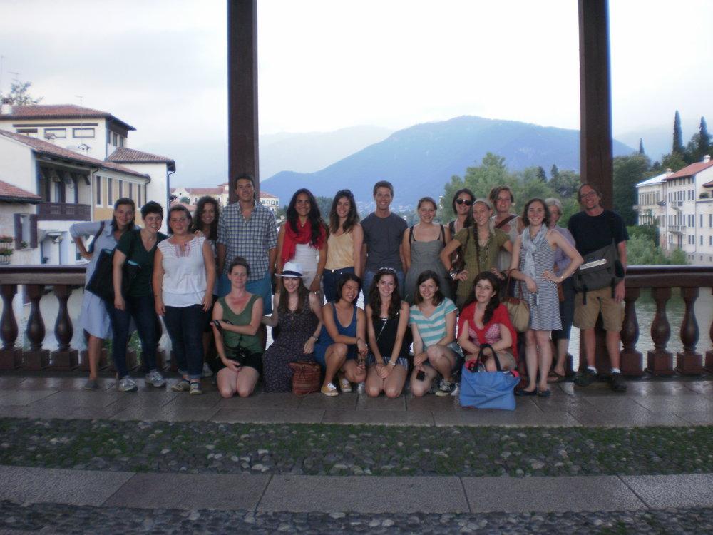 VE2011studenti&studiofacultyBassanoPontePalladio.JPG