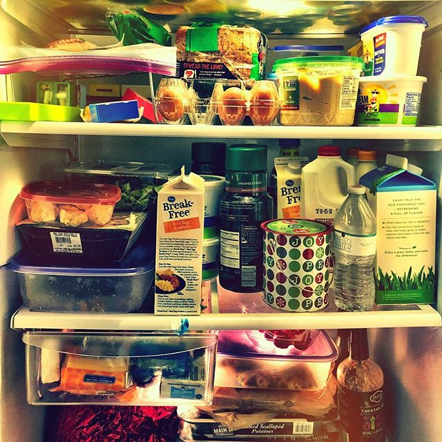 it's incredibly fortunate to have fridge stuffed with food. many do not have enough to eat, or warm clothes to wear, during the holidays. please consider giving to local charities. @2harvestmidtn @nashvillerescue #handsonnashville @thenashvillefoodproject @roomattheinn  #give #happyholidays #nashvillecreates
