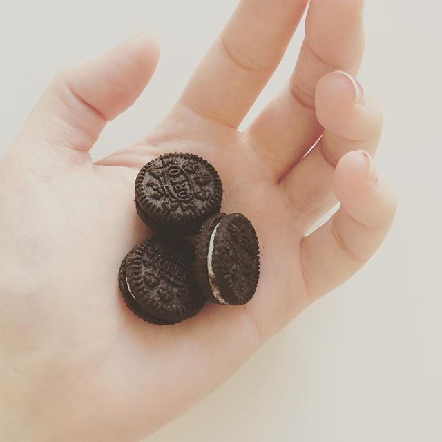 Teeny Tiny Baby Oreos! #babysizedfood