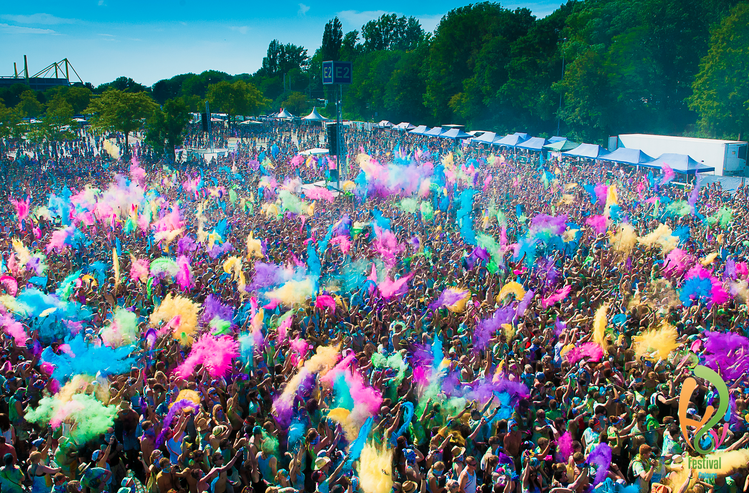 pic courtesy of www.holifestival.com