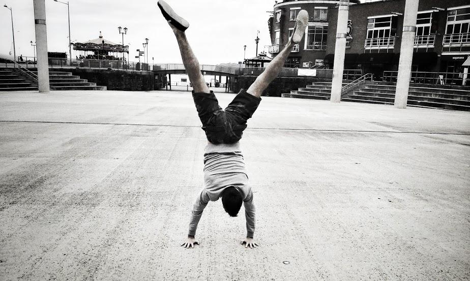 Handstand bay1.jpg