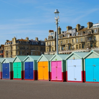 beach-huts-in-brighton_brighton_37781533.jpg