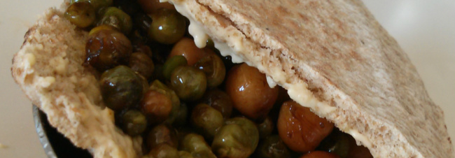 Link to recipe for chickpeas and petis pois in pitta bread
