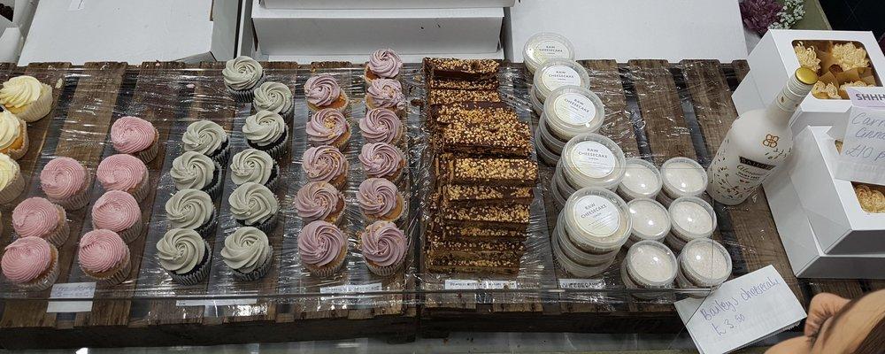 Cupcakes & Shhht