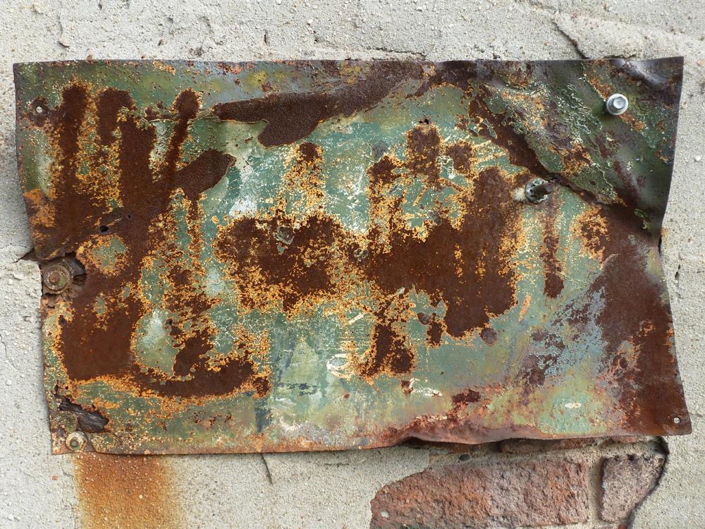 rust sign suttun.jpg