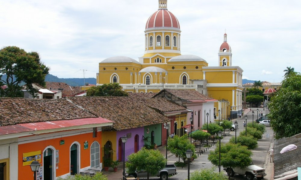 CULTURE AND SPANISH COLONIAL CHARM IN GRANADA Explore the rich cultural heritage of Nicaragua in one of the oldest Spanish colonial cities in Central or South America. Volunteer projects with children in the outskirts of town.