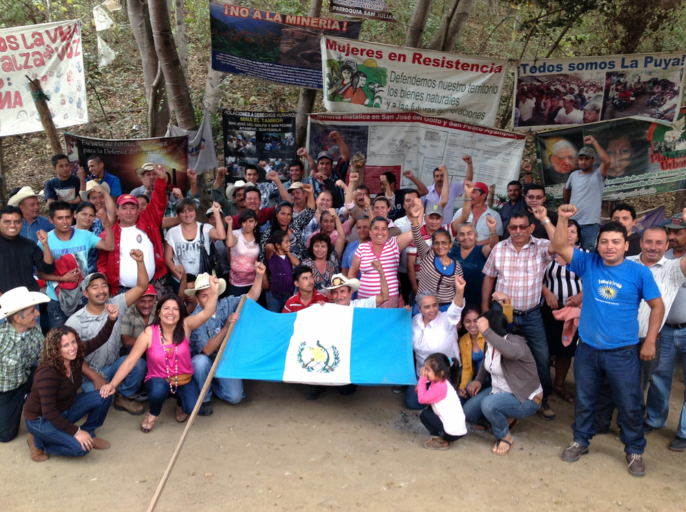 Representantes de GHRC apoyan las Comunidades en Resistencia en La Puya , 2014. Representatives of GHRC support the Communities in Resistance at La Puya, 2014. Ver también/See also the GHRC Special Report: The Peaceful Environmental Justice Movement at 'La Puya'  →