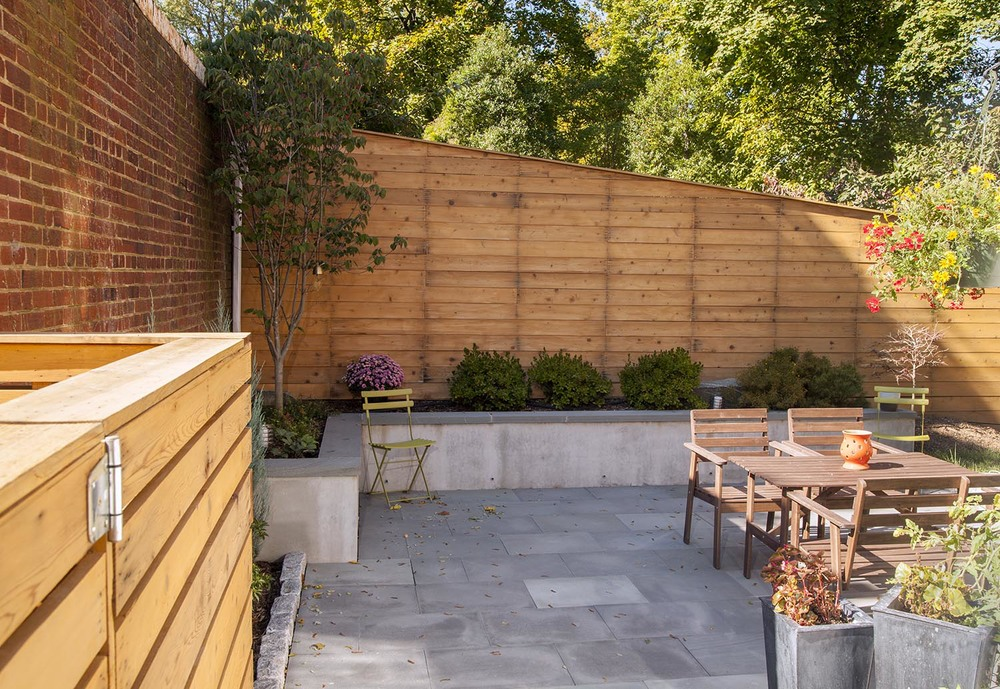 Slanted_Fence_Elevated_Front_View.jpg