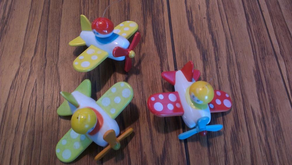 toyplanes.jpg