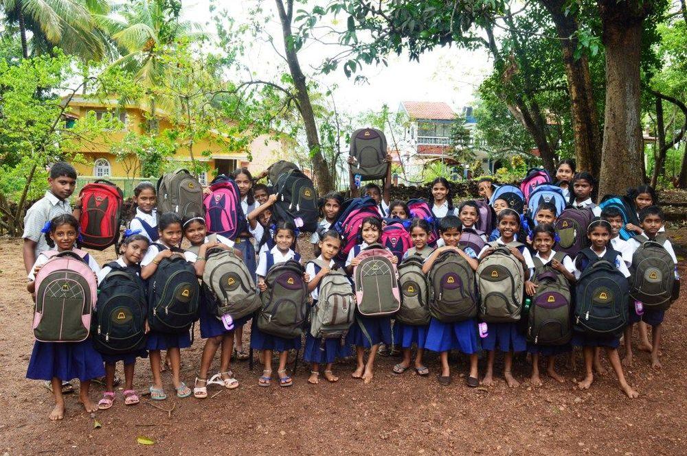 bag drop, children in need, volunteering, India, Joe and John's, Pocketbags