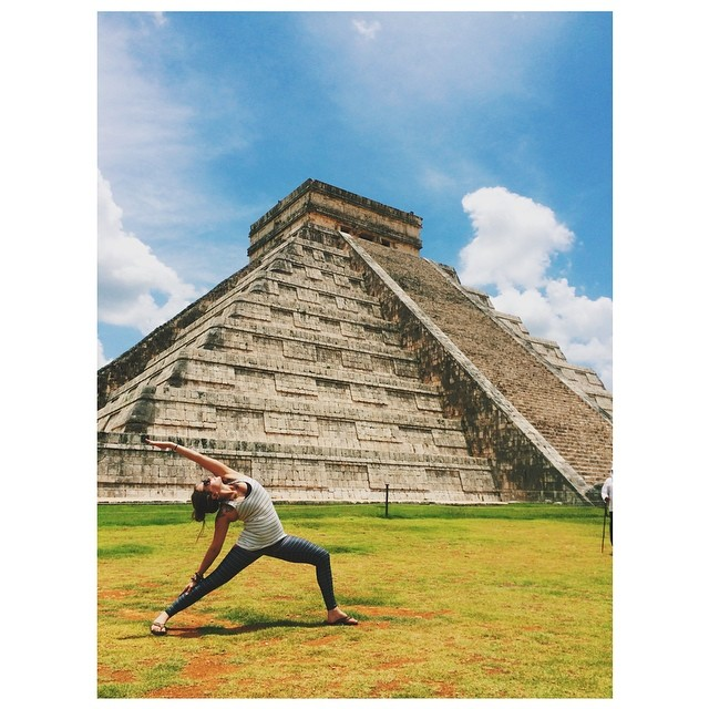 Chichen Itza!!! 🌞 #ChichenItza #whereitakemyyoga #wanderlust @lvrfashion @bloominglotusjewelry @evolvefitwear #mexico #vacation #teekigirls #teekigam @teekigram
