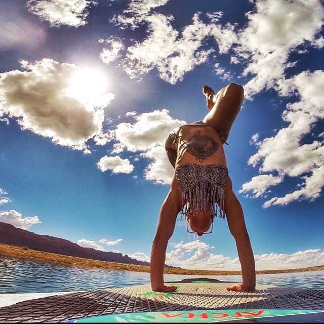 """Nature does not hurry, yet everything is accomplished."" - Lao Tzu  #SUP #yoga #handstand #travelingyogis #inspiredyogis #invertyoself #inversions #goupsidedown #namaste #utah #outdooryoga #outdoorwomen #girlswithmuscles #circomnavigation #circomnavigate"