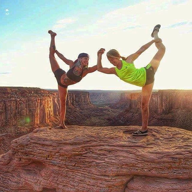 The best of friends have the best adventures. Tag us with your best friend! #yoga #bestfriends #utah #dancer #travelom #travelingyogis #inspiredyogis #outdoorwomen #outdooryogis #circomnavigate PC: @kziechmann