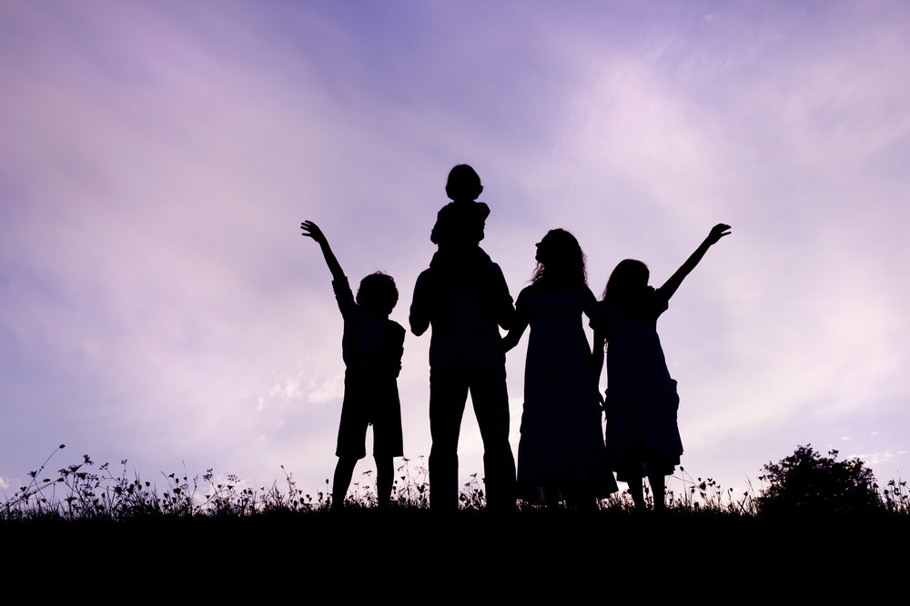 graphicstock-silhouettes-of-happy-parents-having-fun-with-their-children_BRjNgxsZZ.jpg