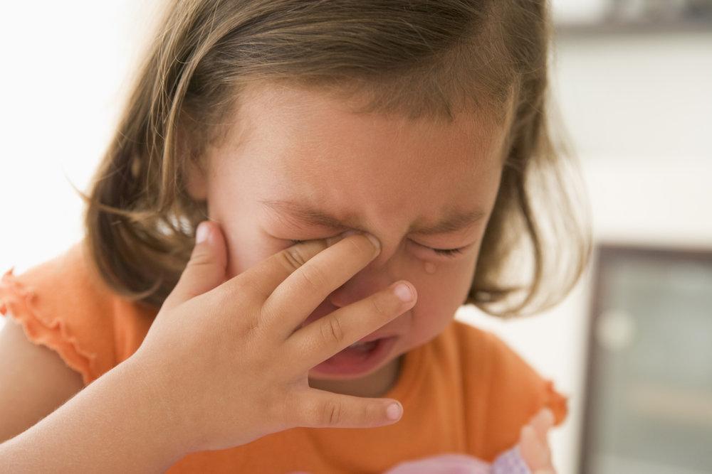 young-girl-indoors-crying_StDIRo0Hj.jpg