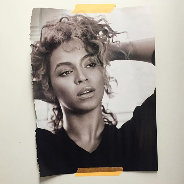 If you need a bit of extra power / motivation in the morning, simply stick a picture of Beyonce inside your bathroom cabinet! #workswonders