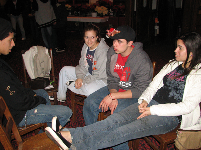 staffxmas2006_13.JPG