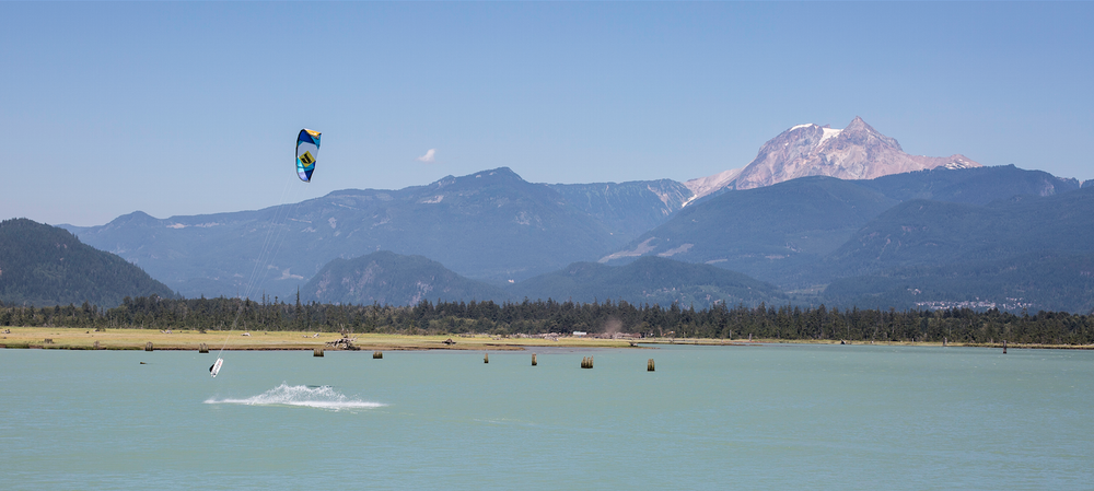 Kiting in Squamish, a little bit beautiful.