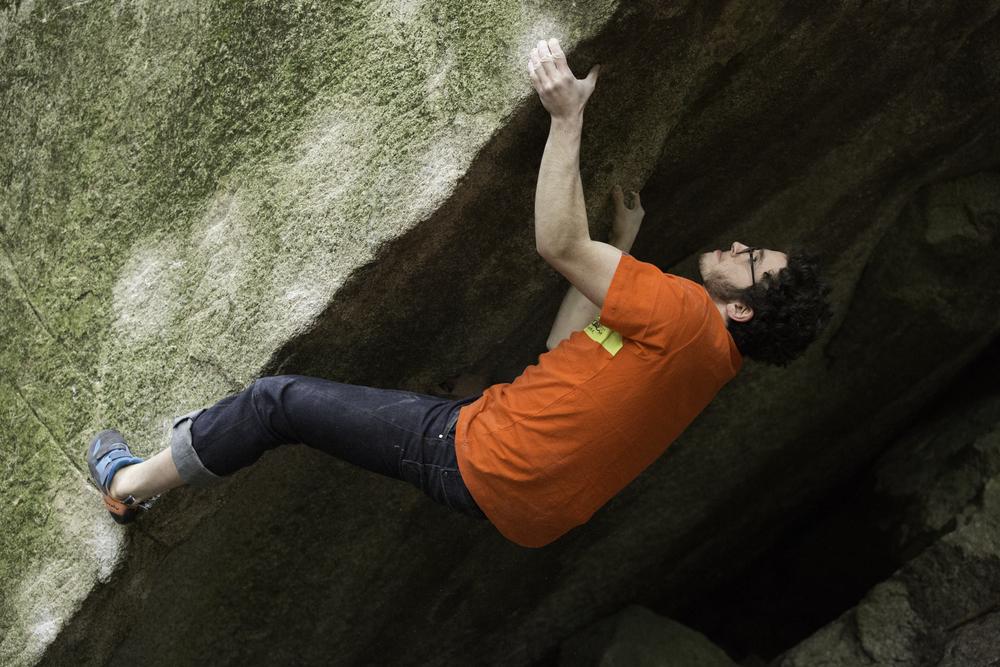 Mason Pitchell doing the koala on 'The Summoning -sit,' v12, Squamish, BC, Canada.