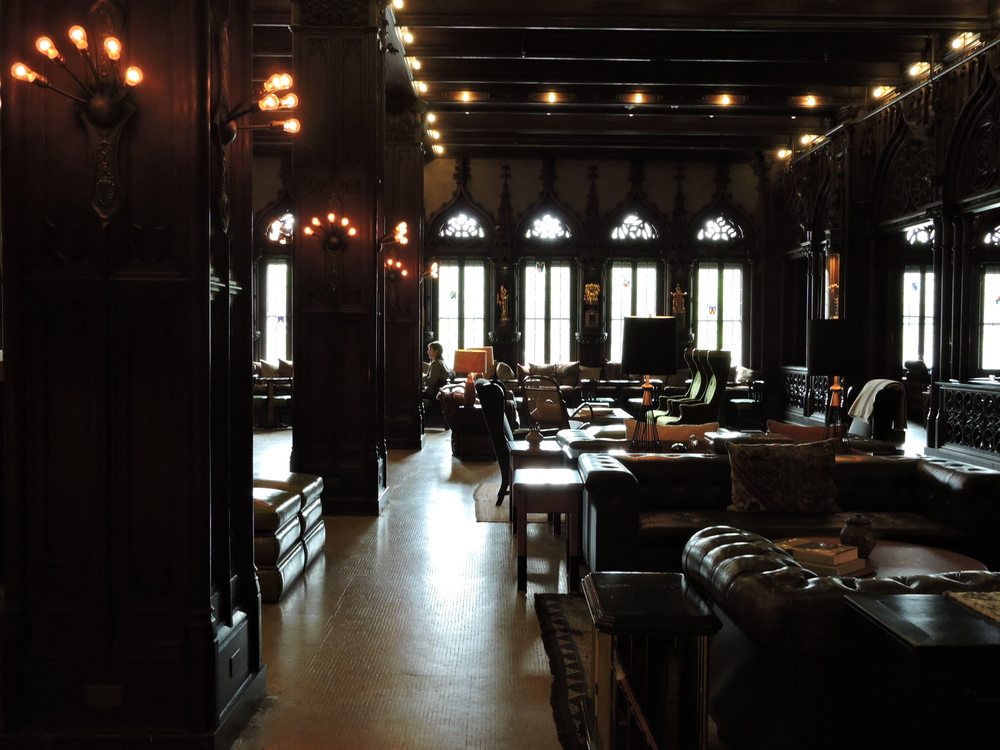 Chicago Athletic Hotel Lobby