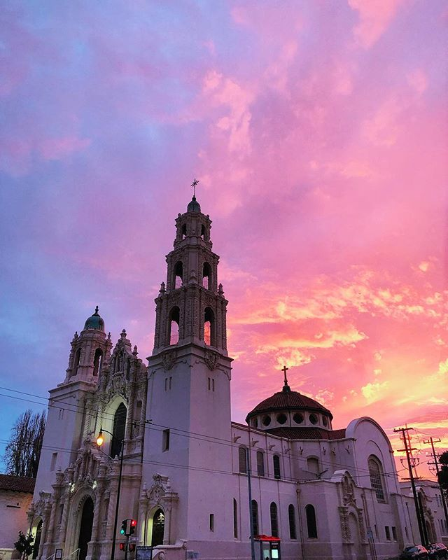 The Dolores Basilica welcoming me to the new neighborhood. Happy Thanksgiving 🦃 #nofilter #sunset