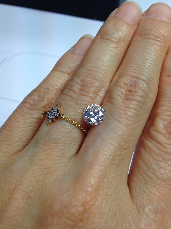 1.36 carat round brilliant cut diamond. ラウンドブリリアント。1.36カラットです