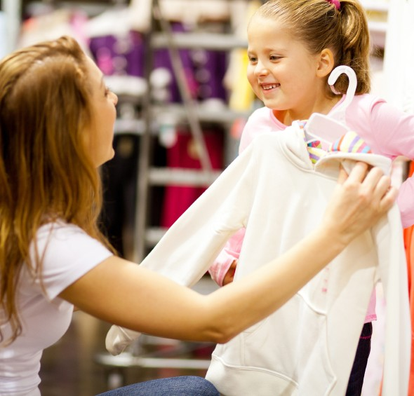 Image : http://tutumurah.com/wp-content/uploads/2015/08/Buying-Children-Clothes.jpg