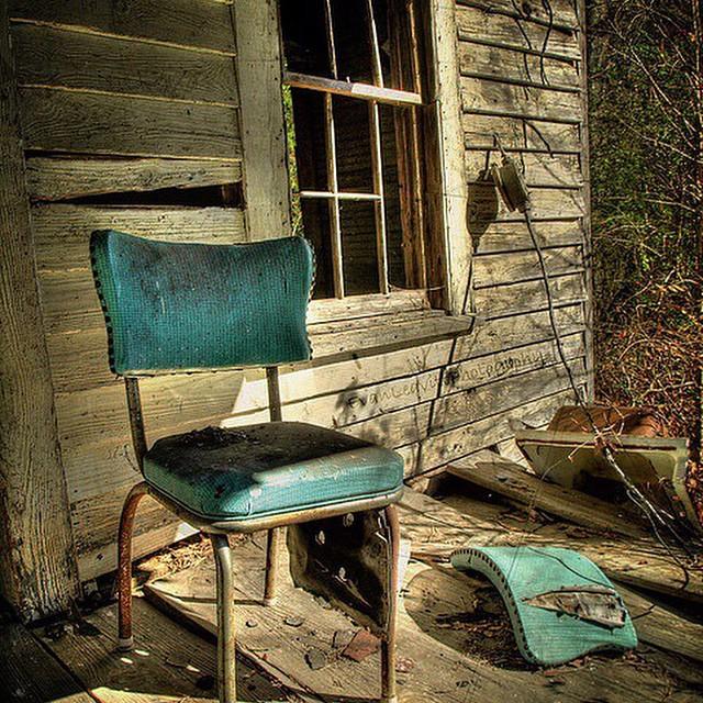 Left behind #therollickingram #lost #someoneshome #rustic #boorowa #igerssydney #igerscanberra #humanbrochure