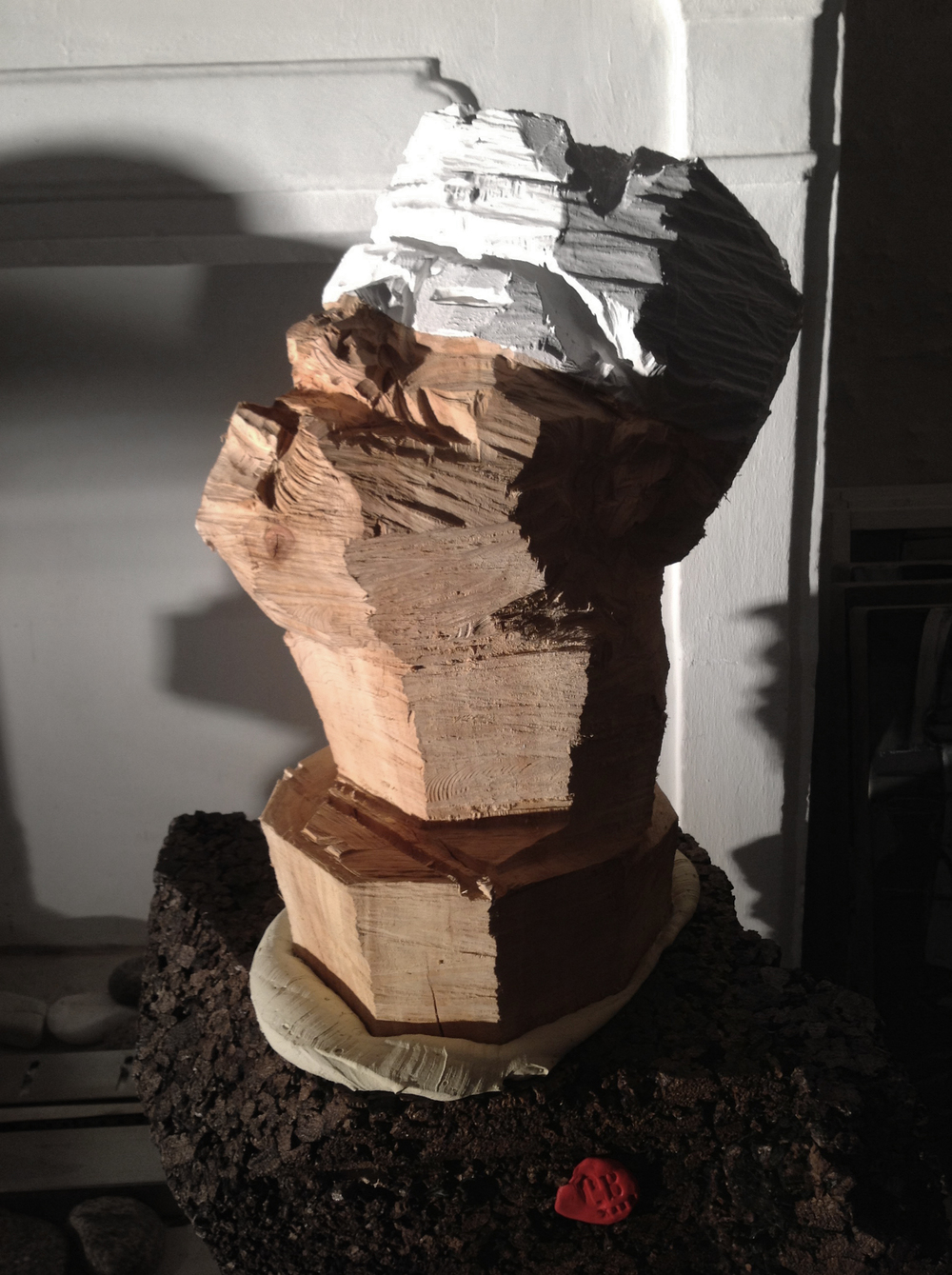 Wood & expanded cork.