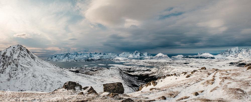 Den Blick vom Smørdalskammen kann man sich abhängig von der Witterung nur auf Schneeschuhen erwandern