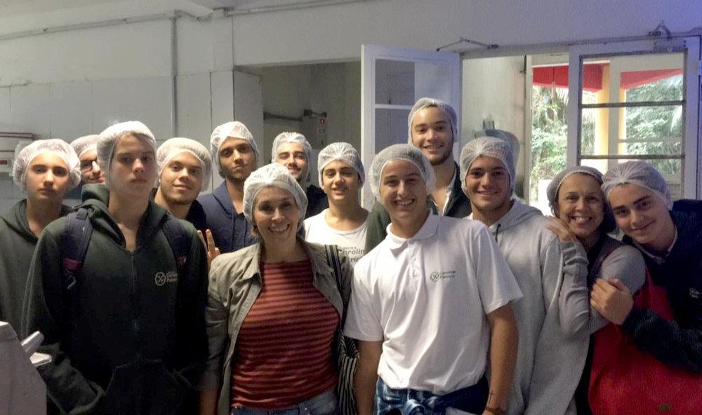 Escola Carolina Patrício - visita fábrica Juçaí