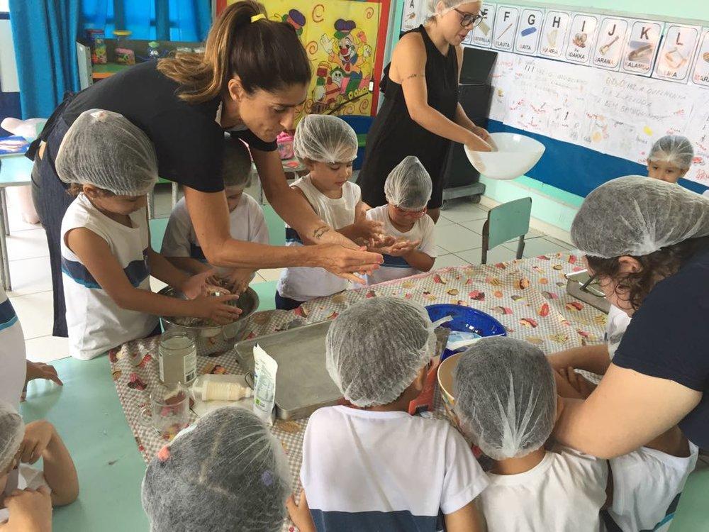 Escola Gabriela Istral - Oficina biscoito