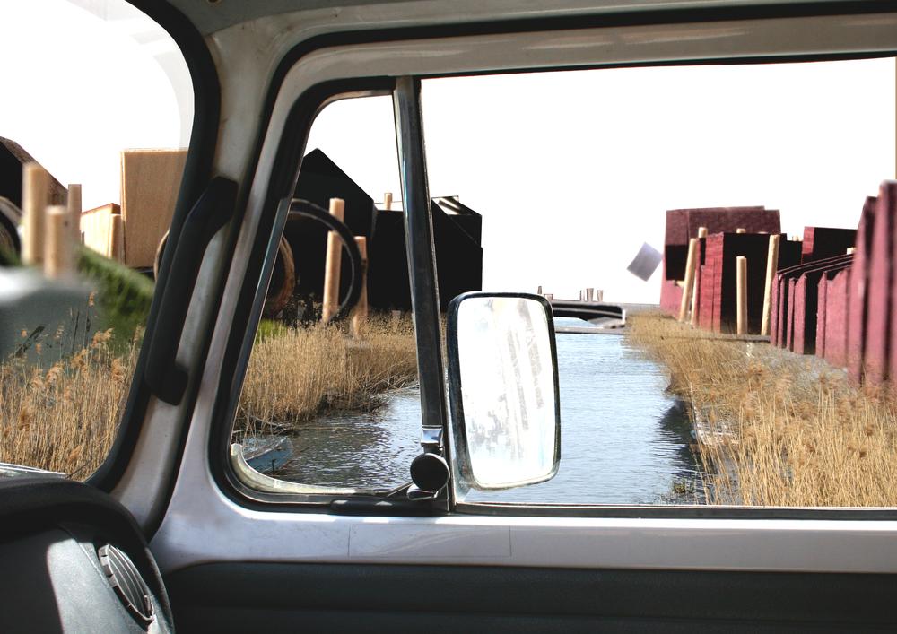 Kanalu namai nuo kelio.jpg