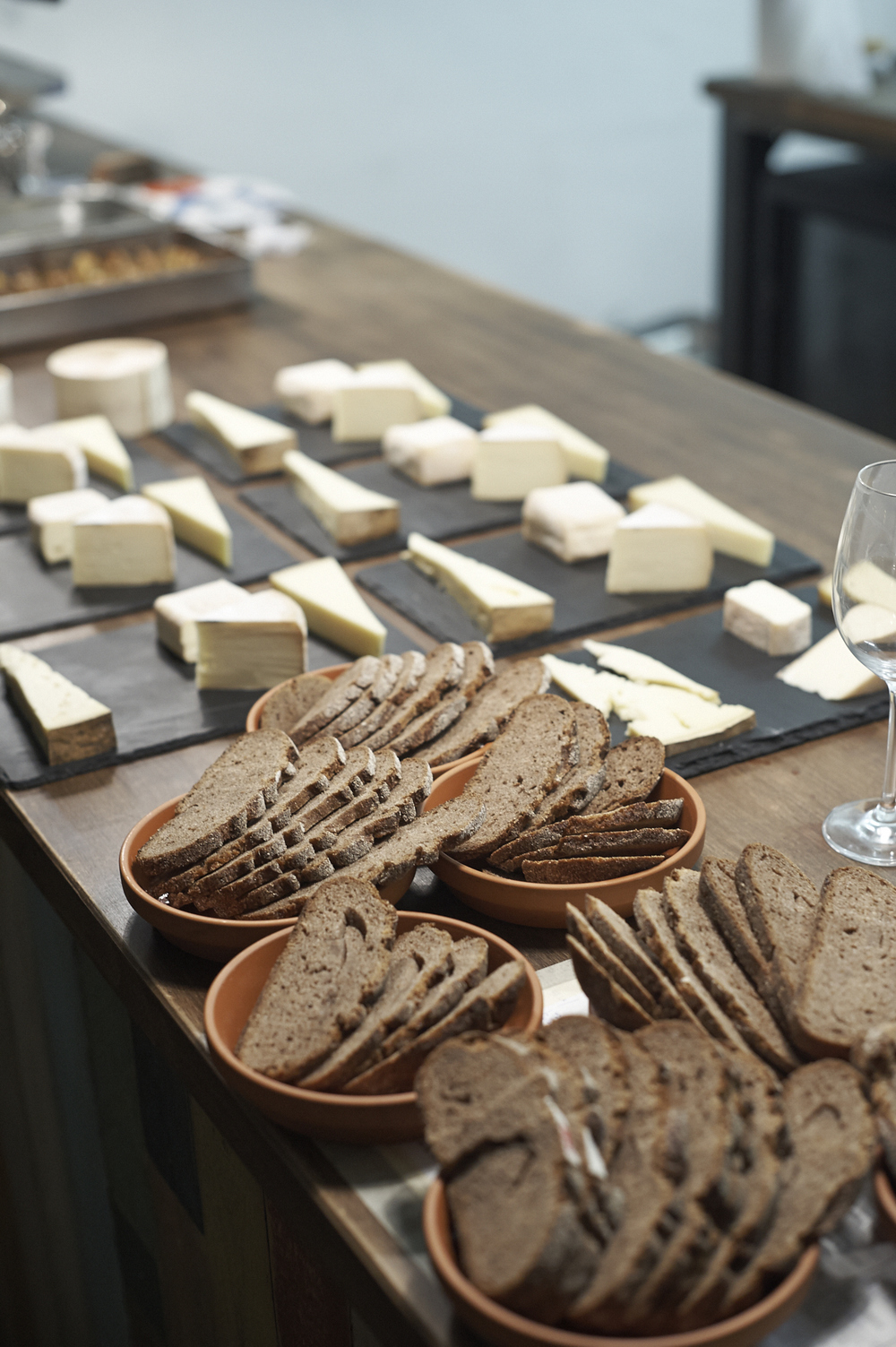 Cheese Platter with Walliser Ur-Roggenbrot