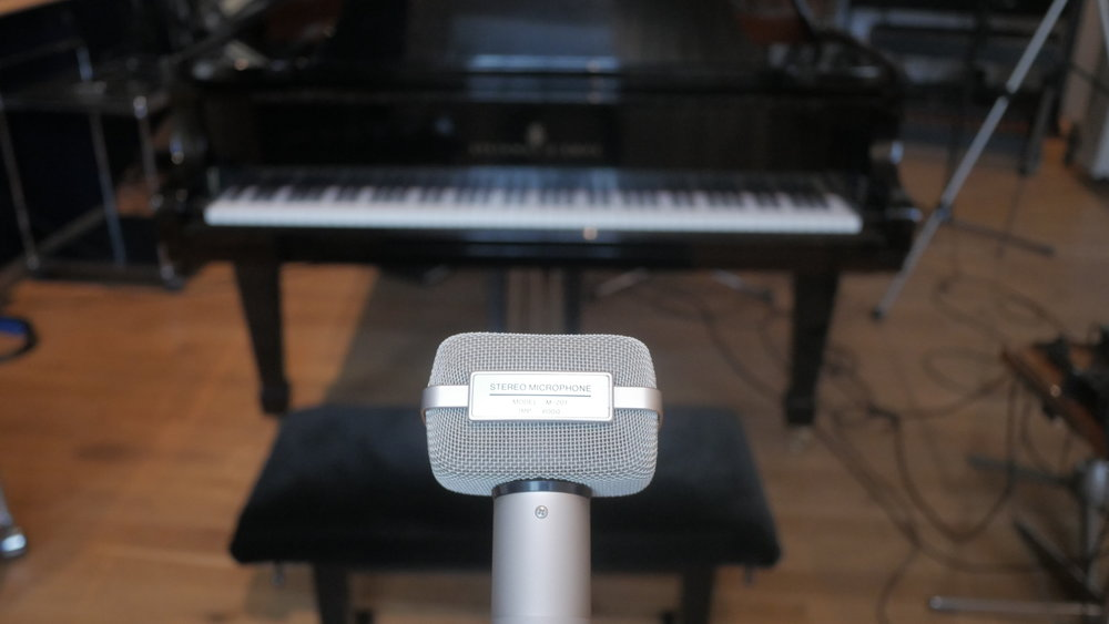 LFPiano_ST mic n Piano4.JPG