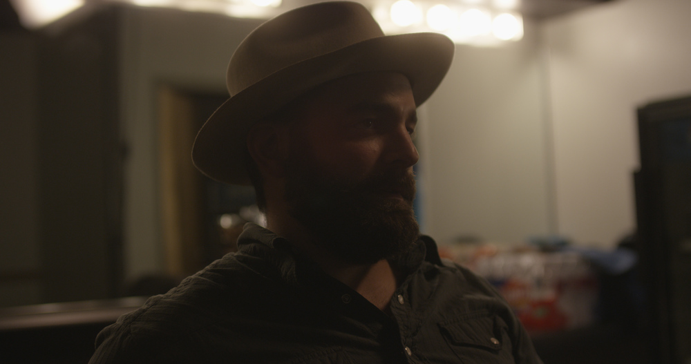 Drew Holcomb: Drew Holcomb & The Neighbors