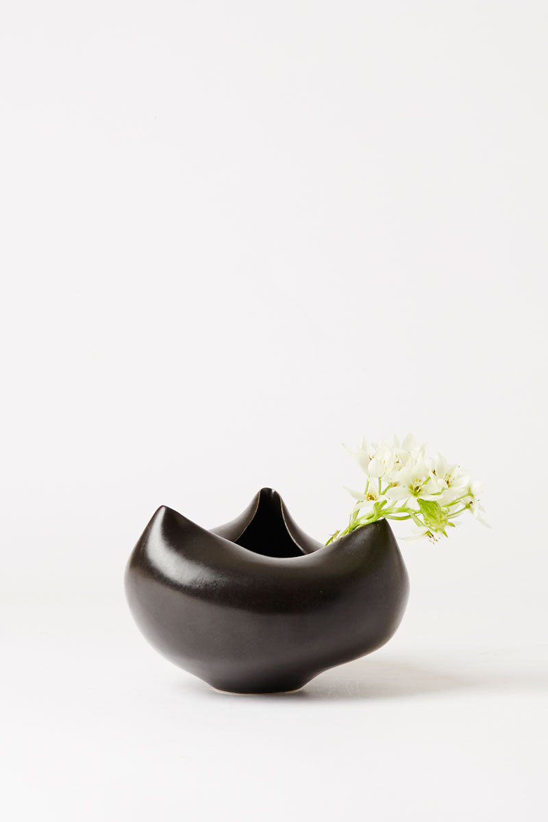 formed vessel medium black