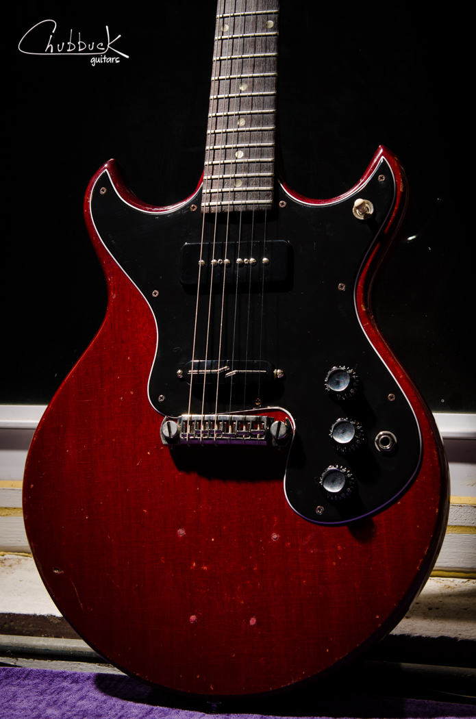 1964 Gibson Melody Maker :: custom pickguard with Lindy Fralin pickups -  noiseless P-90 (neck), Split-Blade (bridge).