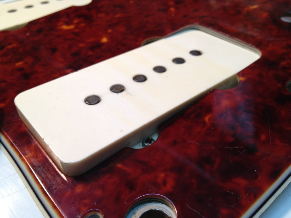 Pickups do not fit into the distorted pick guard
