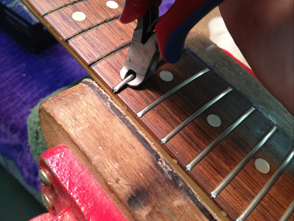 Tool used to remove frets