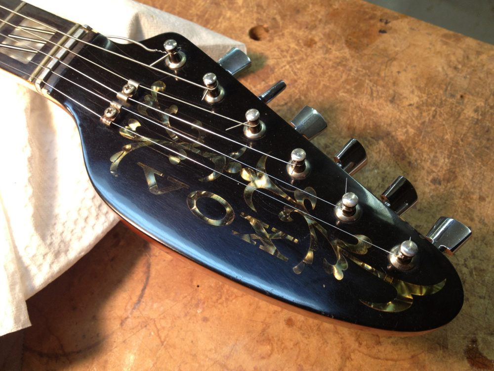 "Vox headstock, with a ""zero"" fret."