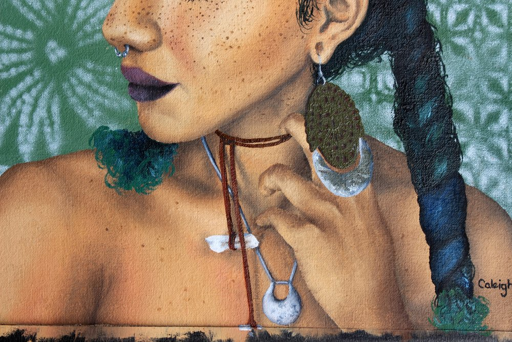 how to oil paint jewelry on a subject