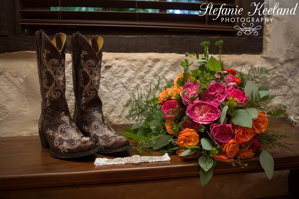 Plan Our Day Houston Wedding Coordinator | Crystal Springs Wedding | Eclectic DIY Wedding