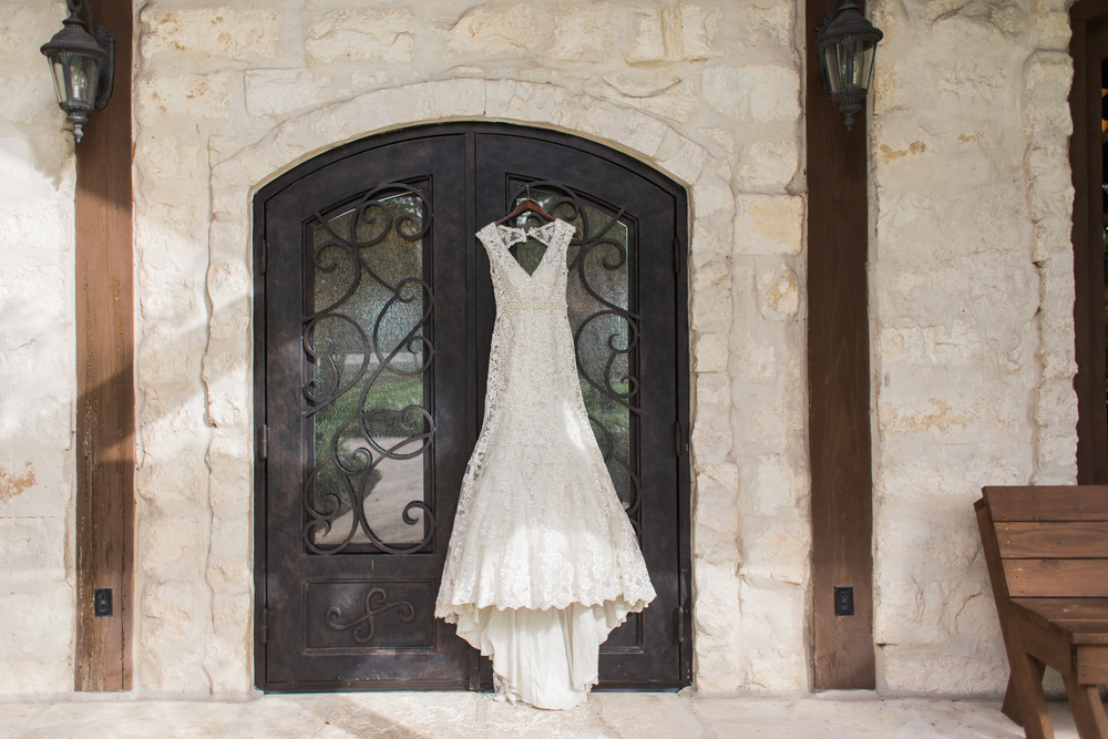 Plan Our Day Houston Wedding Coordinators | Wedding Blog | Country Wedding Inspiration at Pecan Springs in Brookshire, TX |Houston Luxury Wedding Planning