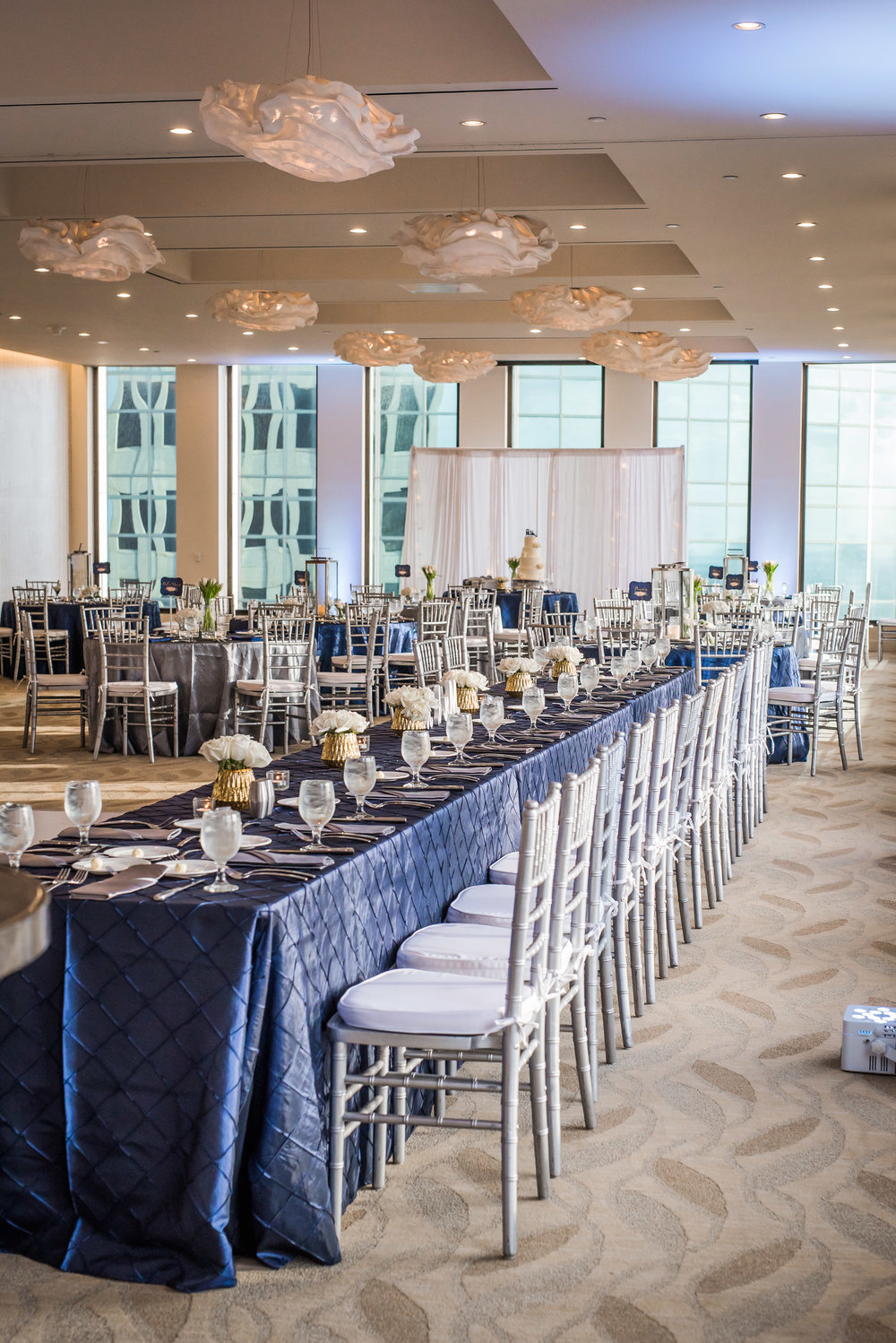 Modern Houston Wedding | Blue and Silver Wedding at the Houston Club Downtown