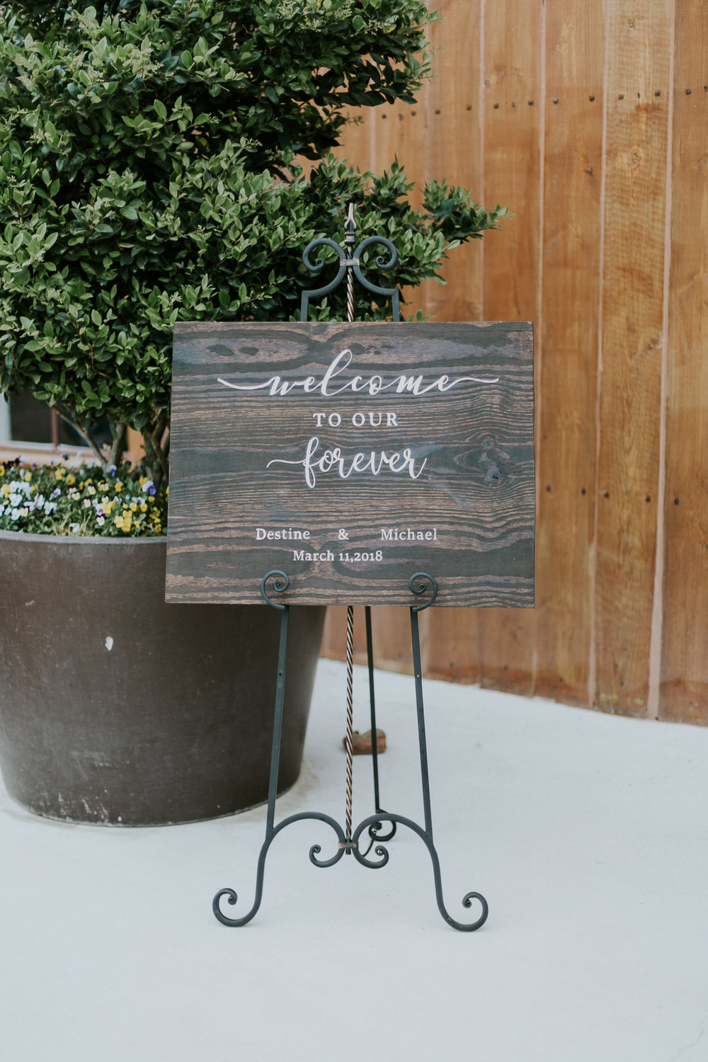 Wedding Welcome Sign | Big Sky Barn | Houston Wedding Planners