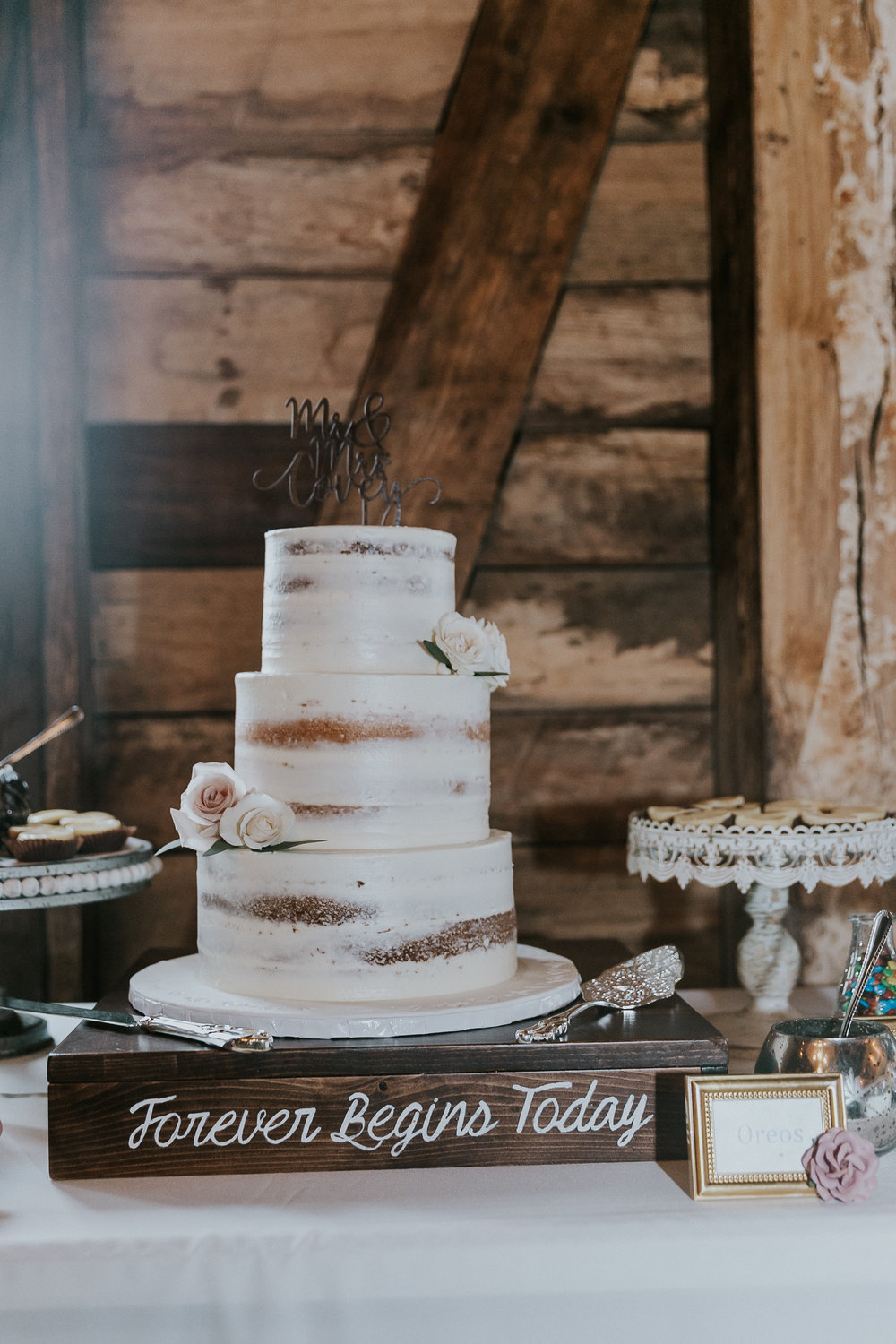 Rustic Wedding Cake | Semi Naked Cake at Big Sky Barn