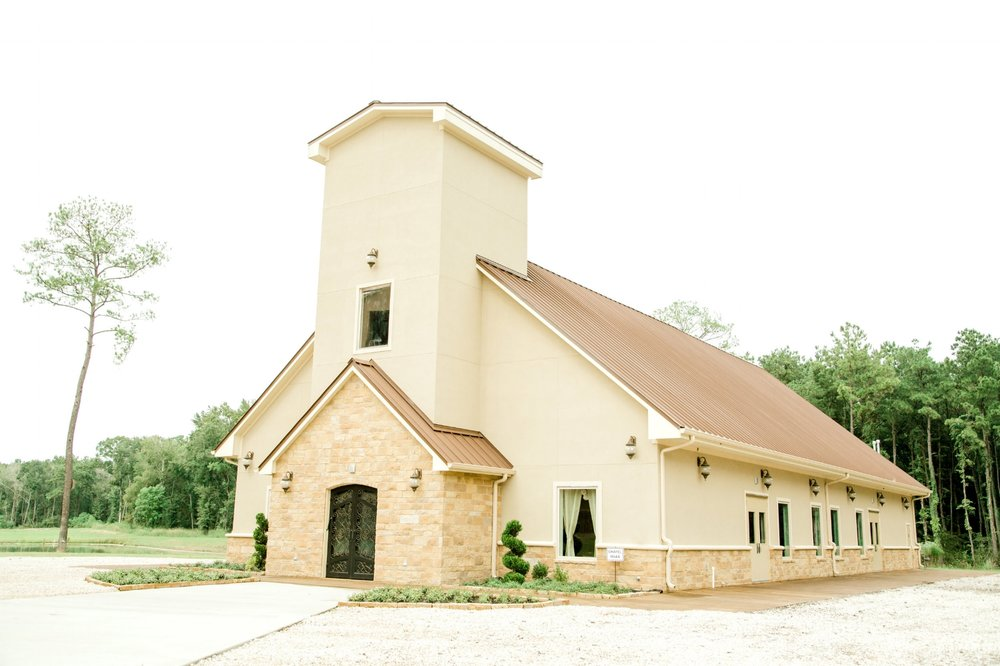Southern Lace Estates Chapel Outside