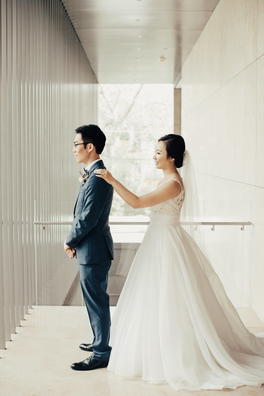 First Look Portrait | Asia Society Museum | Modern Weddings Houston