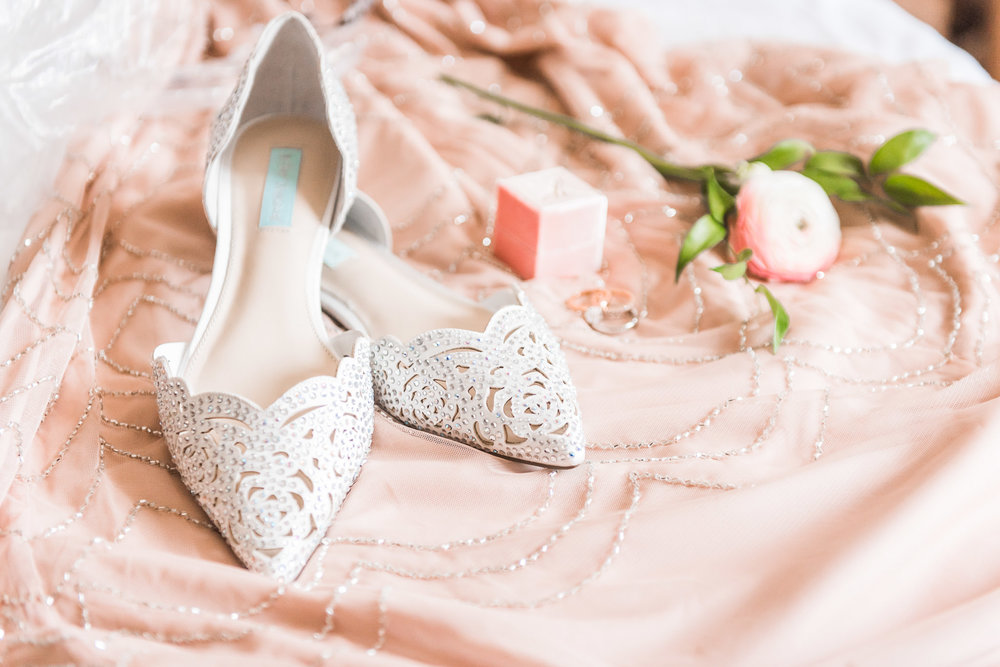 Pink and White wedding inspiration | Wedding Flats